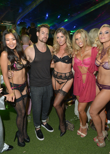 Playmate Hiromi Oshima, actor Shane West, and Playmates Carly Lauren, Kayla Rae Reid, and Shannon James, Getty Images for Playboy