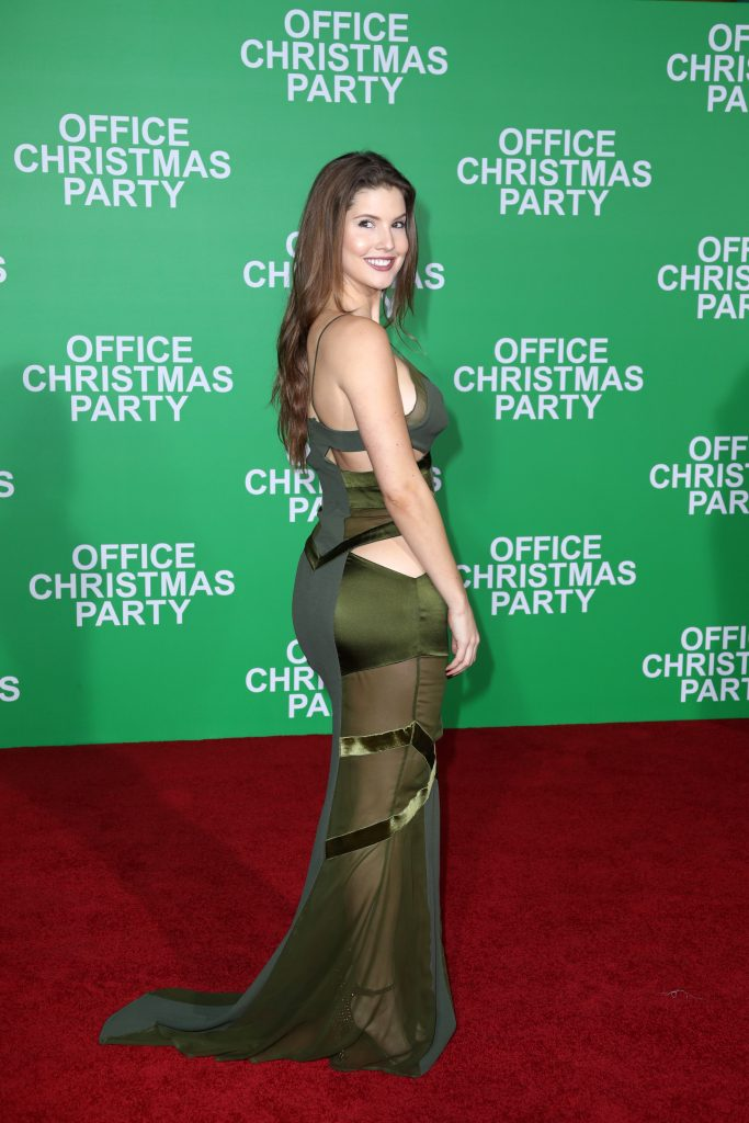 "WESTWOOD, CA - DECEMBER 07:  Actress Amanda Cerny attends the LA Premiere of Paramount Pictures ""Office Christmas Party"" at Regency Village Theatre on December 7, 2016 in Westwood, California.  (Photo by Jonathan Leibson/Getty Images for Paramount Pictures) *** Local Caption *** Amanda Cerny"