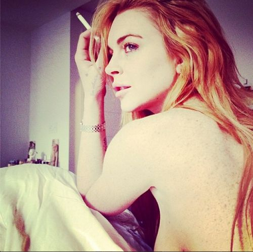 Lindsay Lohan flashing artistic side boob. Photo coutesy of Lindsay Lohan