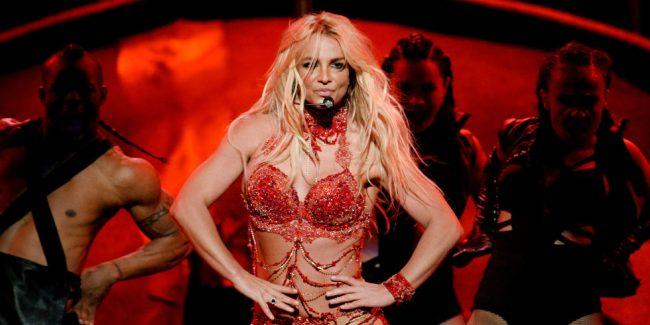 Britney_Spears_BBMAS_2016