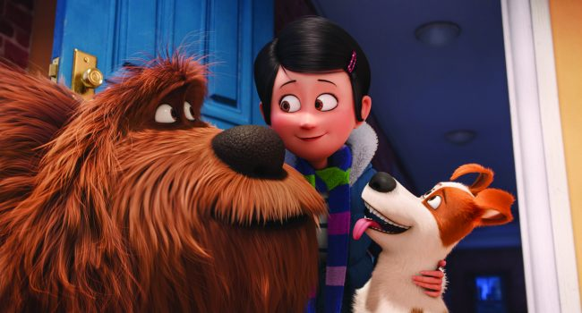 "(L to R) Giant, fluffy, unruly rescue Duke (ERIC STONESTREET), owner Katie (ELLIE KEMPER) and pampered terrier mix Max (LOUIS C.K.) in Illumination Entertainment and Universal Pictures' ""The Secret Life of Pets,"" a comedy about the lives our pets lead after we leave for work or school each day."