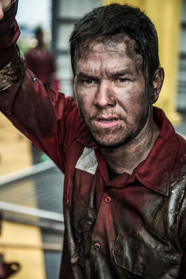 Mark Wahlberg stars as 'Mike Williams' in DEEPWATER HORIZON. Photo Credit: Enrique Chediak